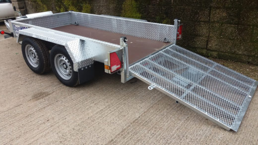 NEW-PLANT-Trailer-arriving-at-DanHIRE-Trailers